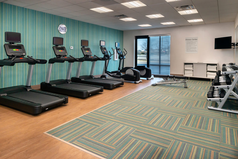 Holiday Inn Express And Suites Romeoville - Joliet North-Keep up with your workout regimen in our fitness center<br/>Image from Leonardo
