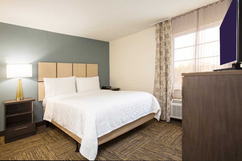 Candlewood Suites Ft. Lauderdale Airport/Cruise-Suite<br/>Image from Leonardo