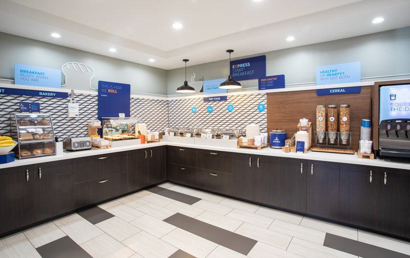 Holiday Inn Express Prescott-Bakeries, hot food, juice and cereals.  We have you covered.<br/>Image from Leonardo