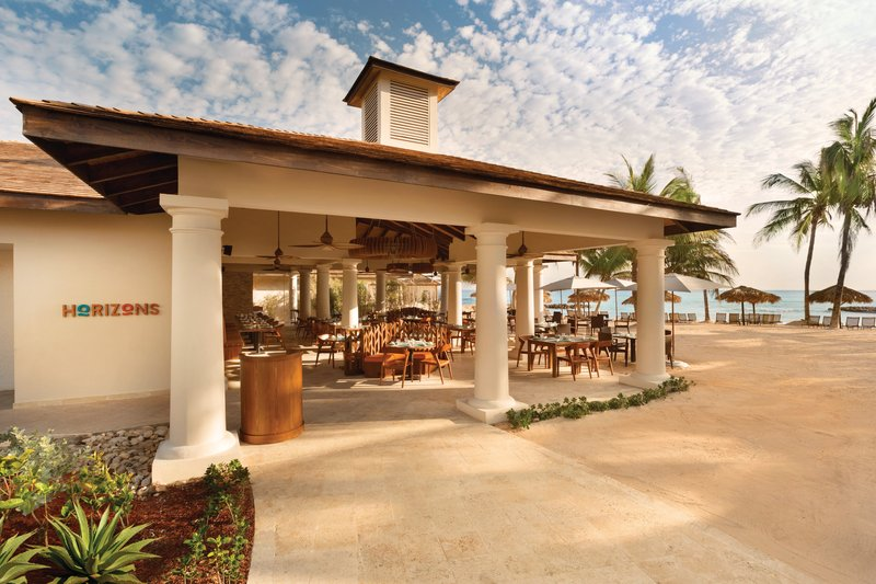 Hyatt Zilara Rose Hall-Jamaican Rootz At Horizons Beachfront Dining<br/>Image from Leonardo