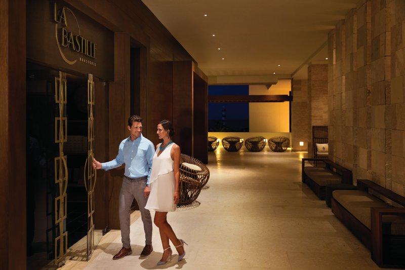 Hyatt Ziva Cancun  - Resort Nightlife <br/>Image from Leonardo
