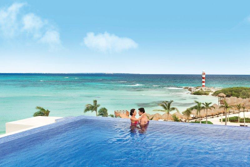 Hyatt Ziva Cancun  - Hyatt Ziva Cancun Rooftop Pool At Turquozie <br/>Image from Leonardo