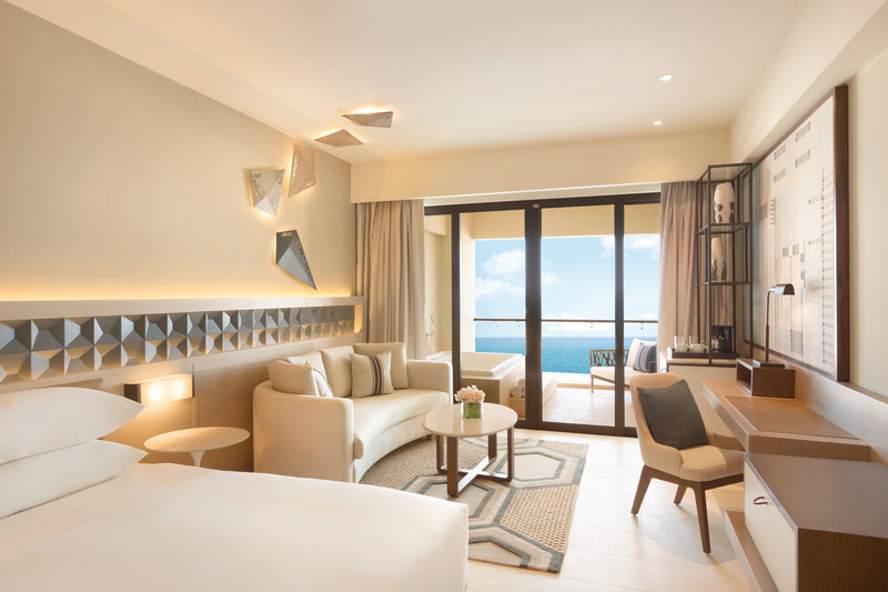 Hyatt Ziva Cancun  - Turquoize Sky Oceanfront Master King Suite <br/>Image from Leonardo
