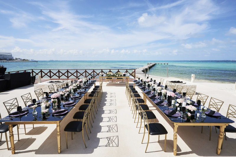 Hyatt Ziva Cancun  - Wedding Reception Bar <br/>Image from Leonardo