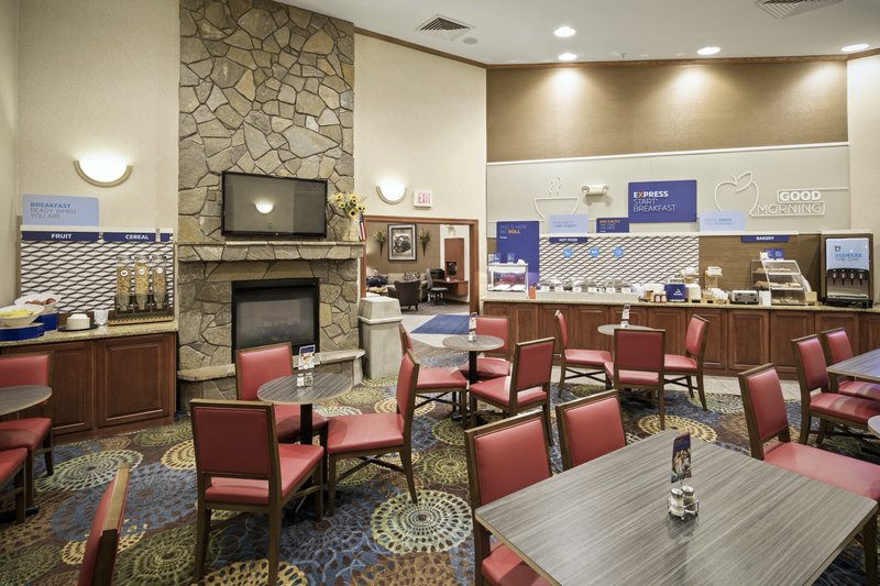 Holiday Inn Express & Suites Hill City Mt. Rushmore Area-Breakfast Area<br/>Image from Leonardo