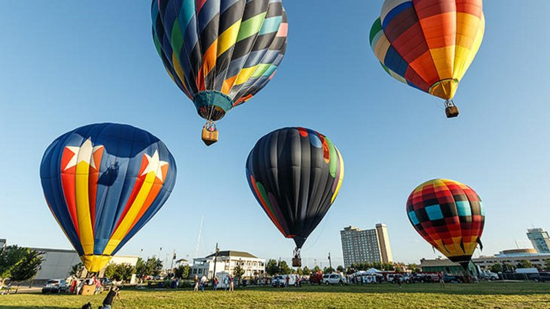 Candlewood Suites Wichita-Airport-Hot Air Balloons in Wichita, KS<br/>Image from Leonardo
