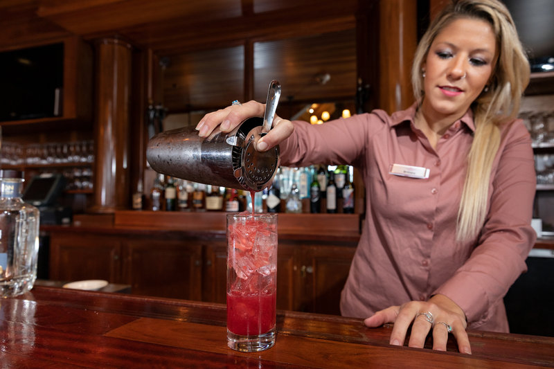 Crowne Plaza Lake Placid-Enjoy a cocktail in our bar located just off the lobby<br/>Image from Leonardo