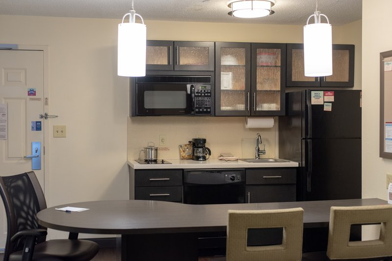 Candlewood Suites Pittsburgh-Airport-Our Full Kitchens are equipped with everything you need!<br/>Image from Leonardo