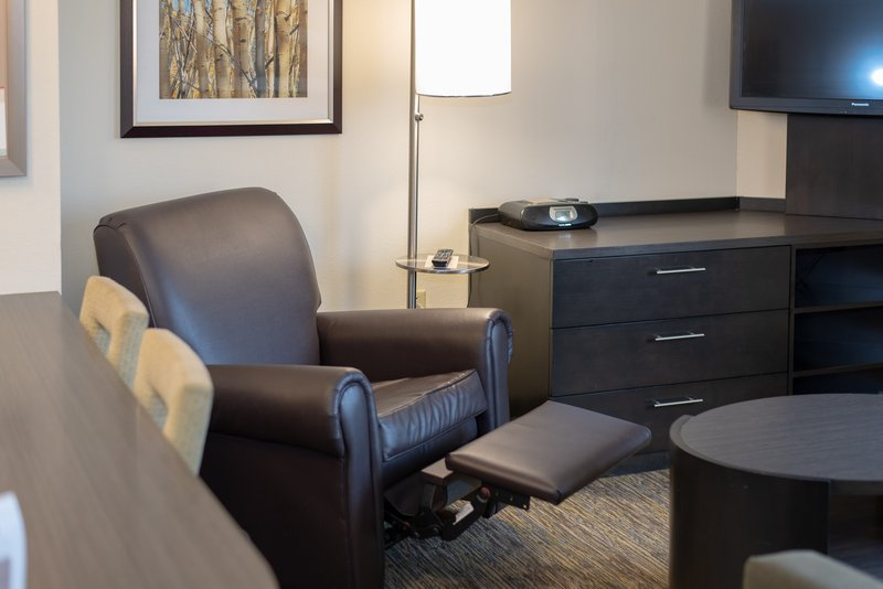Candlewood Suites Pittsburgh-Airport-Kick back and relax in your suite!<br/>Image from Leonardo