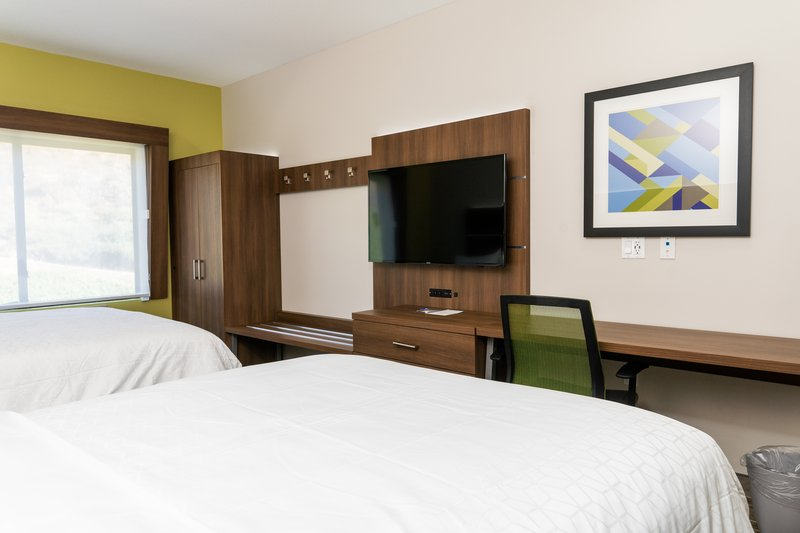 Holiday Inn Express San Clemente North-Guest Room<br/>Image from Leonardo