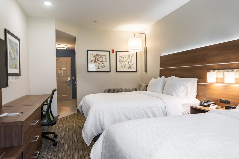 Holiday Inn Express San Clemente North-Two Queen Bed Guestroom Holiday Inn Express San Clemente<br/>Image from Leonardo