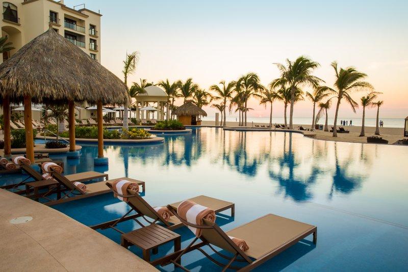 Hyatt Ziva Los Cabos - Infinity Pool <br/>Image from Leonardo