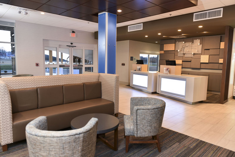 Holiday Inn Express And Suites Madisonville-Lobby/Front Desk<br/>Image from Leonardo