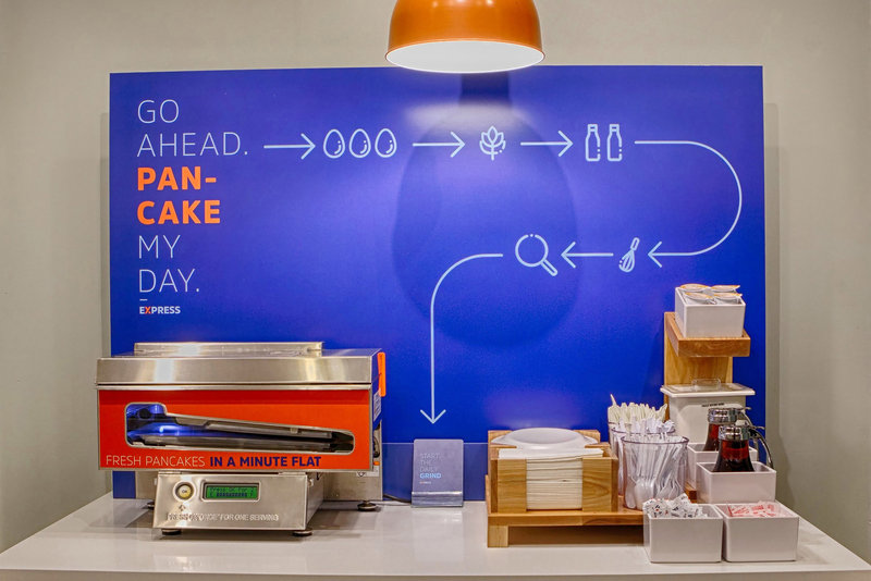 Holiday Inn Express New York JFK Airport Area-Free breakfast that includes fresh hot pancakes in a minute!<br/>Image from Leonardo