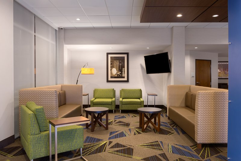 Holiday Inn Express Lake Park-Lobby Lounge<br/>Image from Leonardo