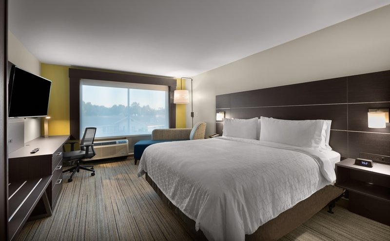 Holiday Inn Express Lake Park-King Bed Guest Room<br/>Image from Leonardo