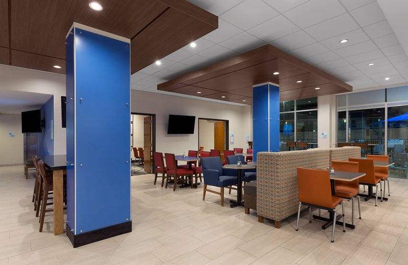 Holiday Inn Express Lake Park-Guest Dining Lounge<br/>Image from Leonardo