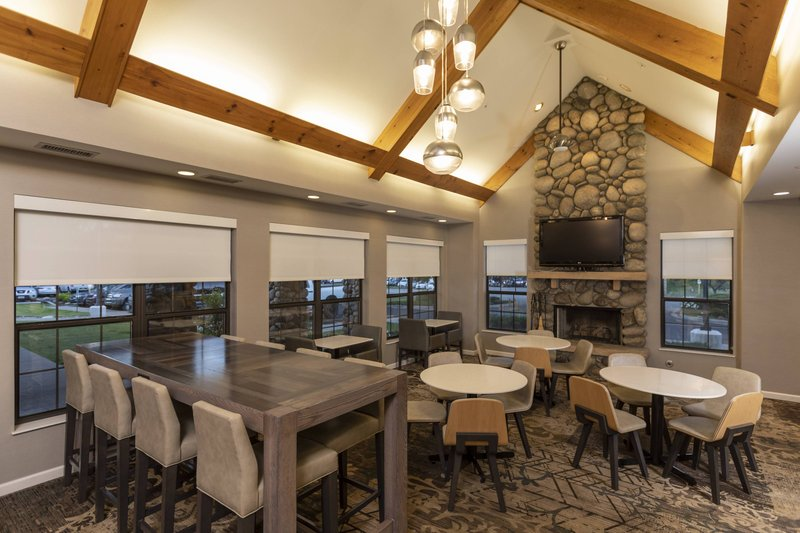Holiday Inn Hotel & Suites Durango Central-Lobby Sitting Area<br/>Image from Leonardo