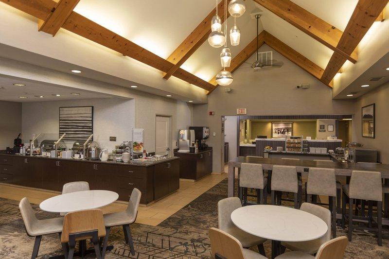 Holiday Inn Hotel & Suites Durango Central-Breakfast Area<br/>Image from Leonardo