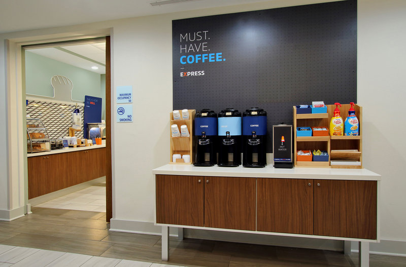 Holiday Inn Express & Suites Bellevue (Omaha Area)-Did you say coffee? Don't forget to take a complimentary cup to go<br/>Image from Leonardo