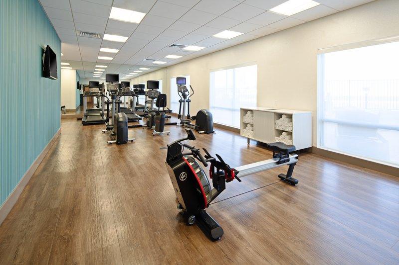 Holiday Inn Express & Suites Murrieta-Fitness Center<br/>Image from Leonardo