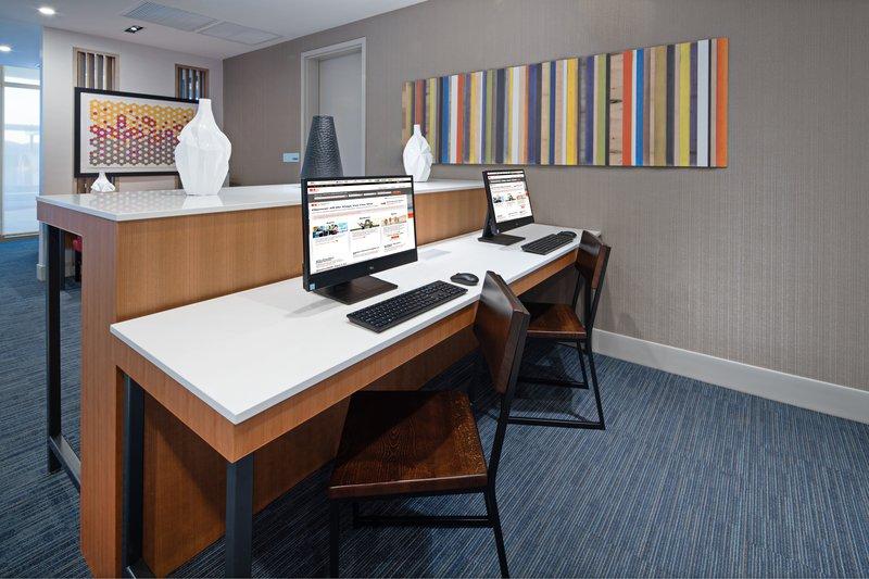 Holiday Inn Express & Suites Murrieta-Business Center<br/>Image from Leonardo