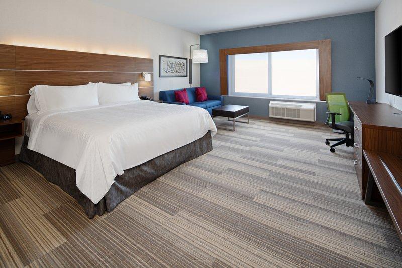 Holiday Inn Express & Suites Murrieta-Suite<br/>Image from Leonardo