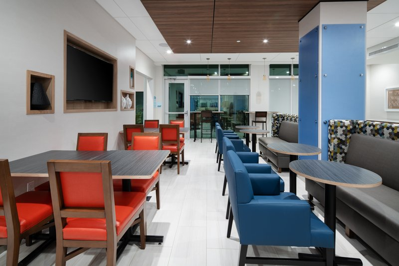 Holiday Inn Express & Suites Murrieta-Breakfast Area<br/>Image from Leonardo