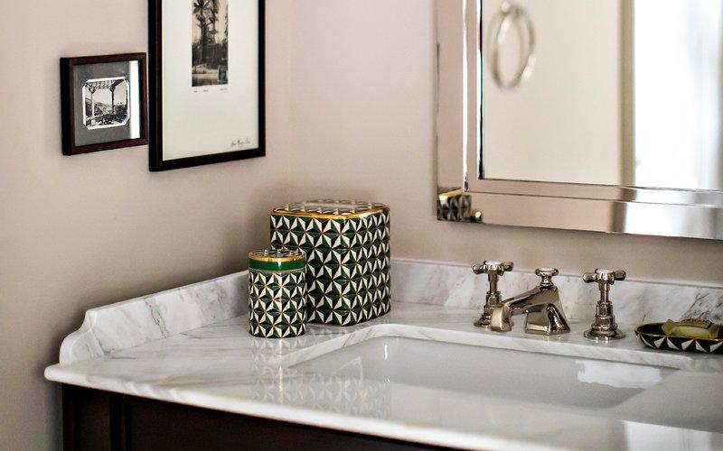 Park MGM Las Vegas-Classic Room Bath<br/>Image from Leonardo