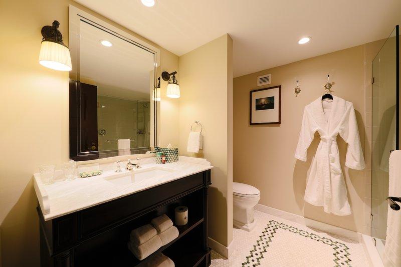 Park MGM Las Vegas-Classic Room Bathroom<br/>Image from Leonardo