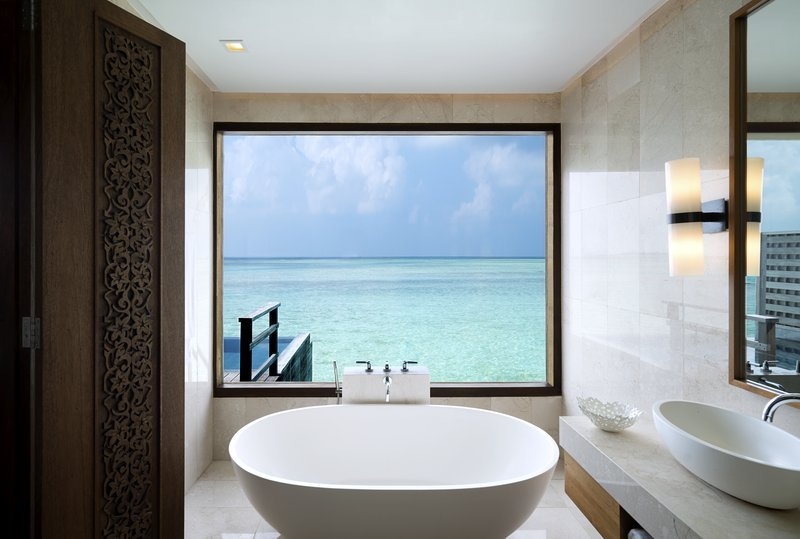 Anantara Veli - Anantara_Veli_Maldives_Resort_Guest_Room_Deluxe_Over_Water_Pool_Bungalow_Bathroom <br/>Image from Leonardo