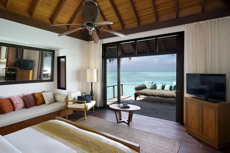 Anantara Veli - Anantara_Veli_Maldives_Resort_Guest_Room_Superior_Over_Water_Bungalow_Bedroom <br/>Image from Leonardo