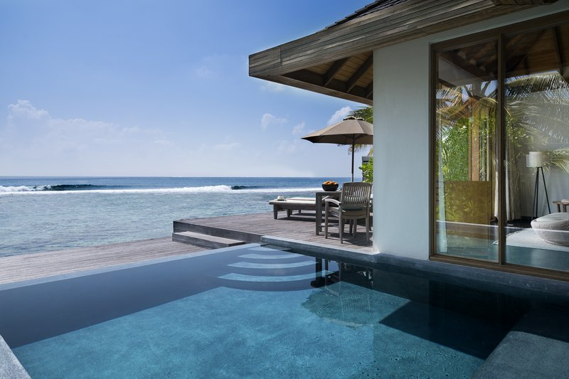 Anantara Veli - Anantara_Veli_Maldives_Resort_Guest_Room_Ocean_Pool_Bungalow_Swimming_Pool <br/>Image from Leonardo