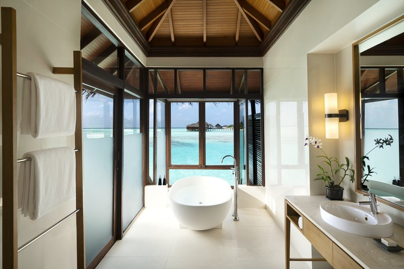 Anantara Veli - Anantara_Veli_Maldives_Resort_Guest_Room_Deluxe_Over_Water_Bungalow_Bathroom <br/>Image from Leonardo