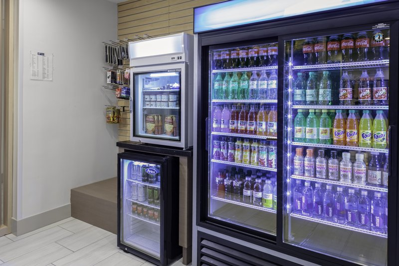 Holiday Inn Express And Suites Wilmington West -Medical Park-Vending<br/>Image from Leonardo