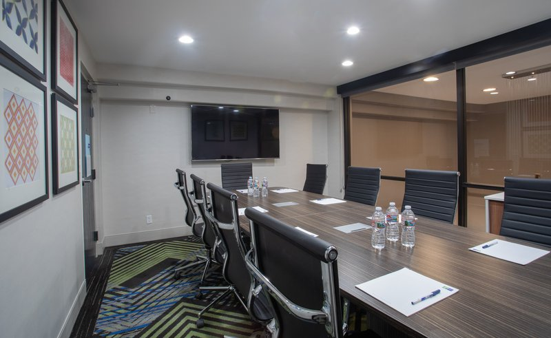 Holiday Inn Express Prescott-Meeting Room<br/>Image from Leonardo