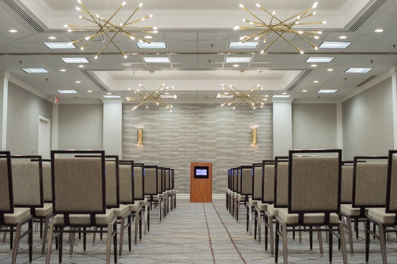 Crowne Plaza Edison-Talmadge Events<br/>Image from Leonardo