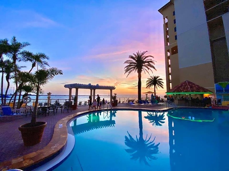 HOLIDAY INN HOTEL AND SUITES CLEARWATER BEACH-Spectacular Sunsets <br/>Image from Leonardo