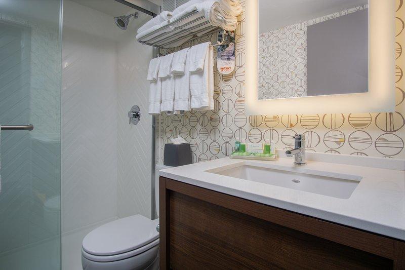 Holiday Inn Steamboat Springs-Guest Bathroom<br/>Image from Leonardo