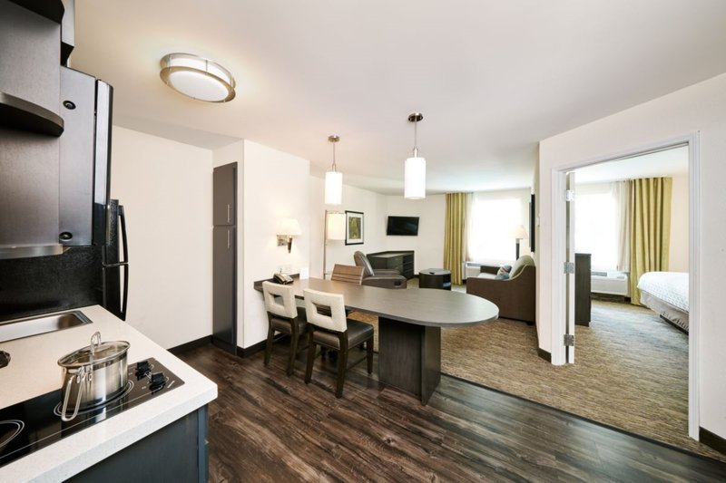 Candlewood Suites Boston-Burlington-One Bedroom Suite with Sofa Sleeper and Kitchen<br/>Image from Leonardo