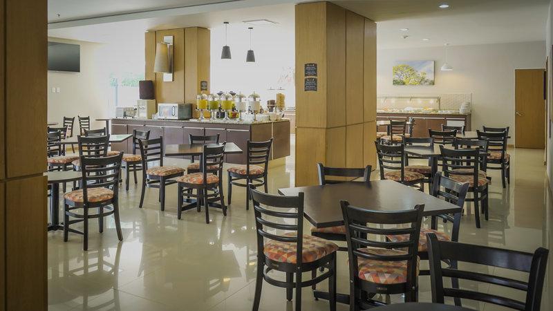 Staybridge Suites Guadalajara Expo-Breakfast Area<br/>Image from Leonardo