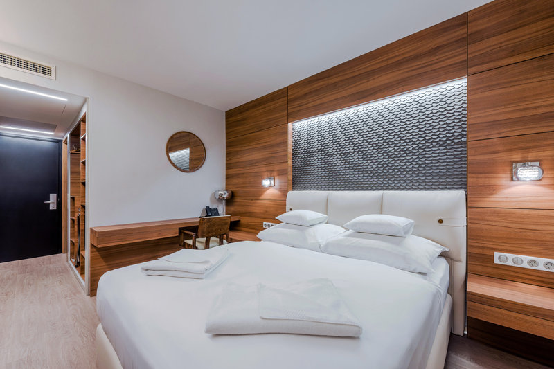 Boutique Hotel Budapest-Boutique Hotelroom<br/>Image from Leonardo