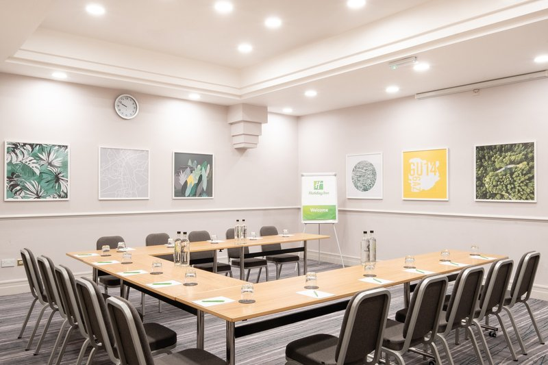 Holiday Inn Farnborough-Meeting room ideal for larger meetings<br/>Image from Leonardo