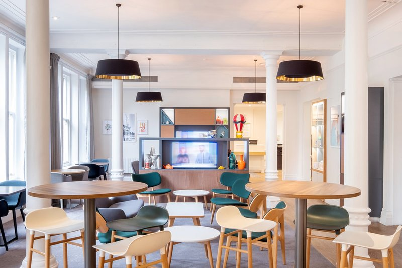 Holiday Inn Farnborough-Enjoy TV and food and drink in our bar and lounge<br/>Image from Leonardo