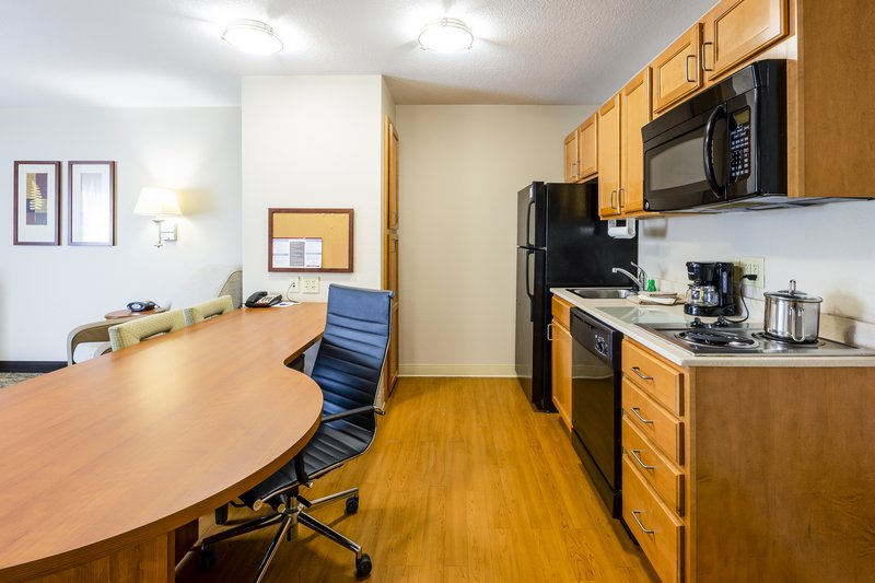 Candlewood Suites Savannah Airport-One bedroom suite kitchen & dining area<br/>Image from Leonardo
