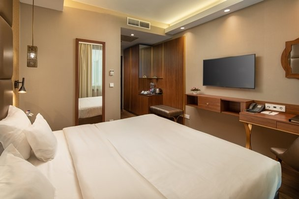 Continental Hotel Budapest-Standard Room<br/>Image from Leonardo