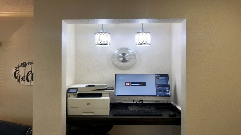Candlewood Suites Denver West Federal Ctr-The Candlewood Suites business center with computer and printer<br/>Image from Leonardo