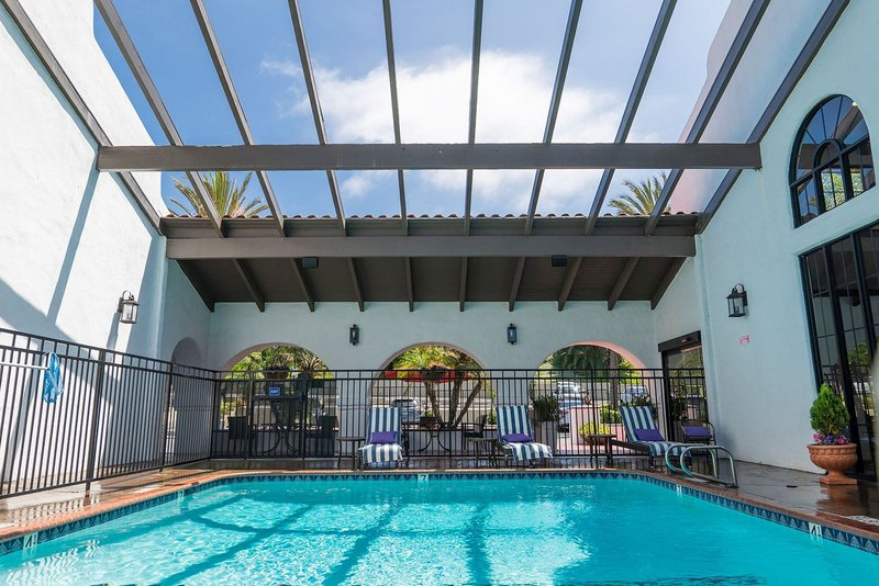 Holiday Inn Express San Clemente North-Swimming Pool<br/>Image from Leonardo