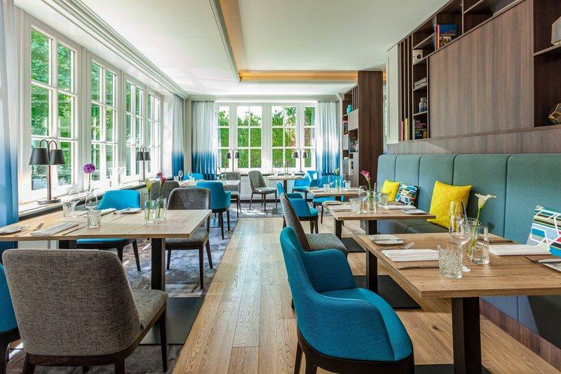 Courtyard Hamburg Airport-Horizon Restaurant<br/>Image from Leonardo