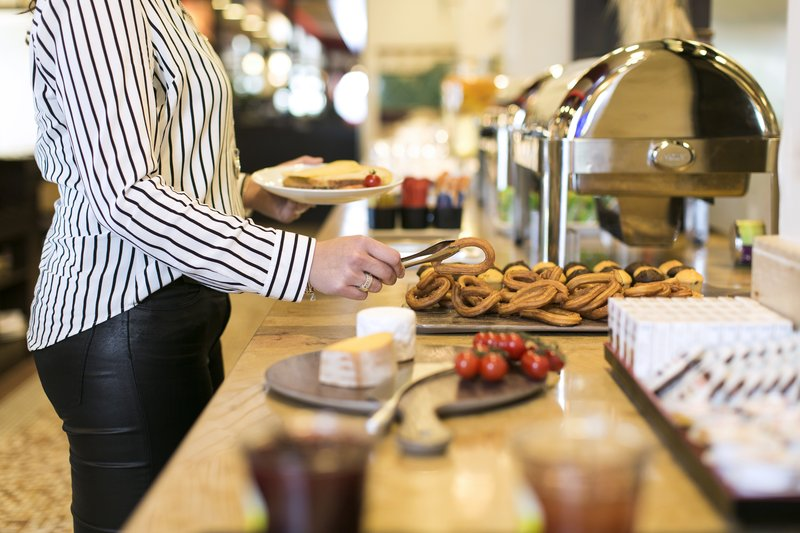 Holiday Inn Eindhoven-Breakfast Area<br/>Image from Leonardo